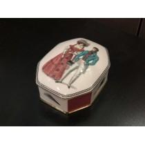 Jewellery Box pic. Modes de Paris 1, Form Cut