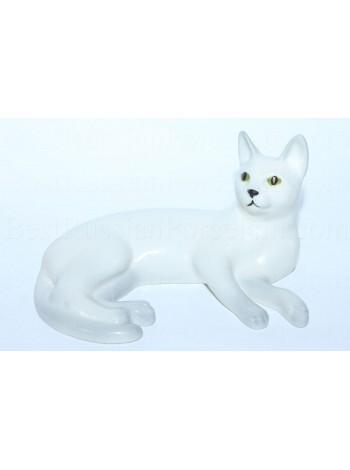 Sculpture White Cat