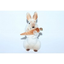 Sculpture Bunny with Carrot 2