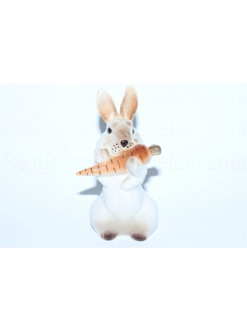 Sculpture Bunny with Carrot