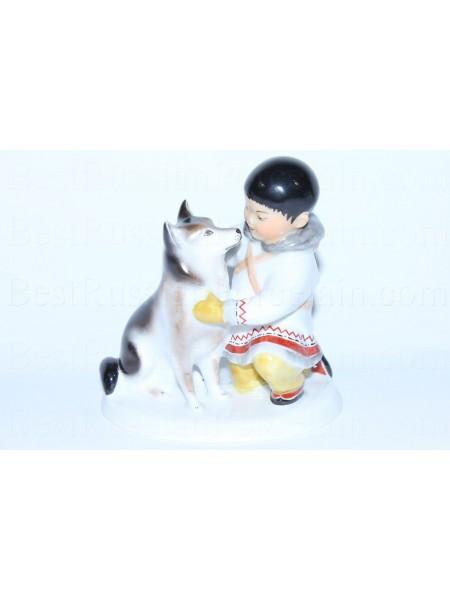Sculpture Yakut with dog huskies