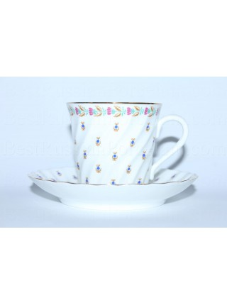 Cup and saucer pic. Blueberries, Form Twisted